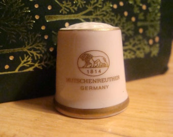 1841 Hutschenreuther Germany porcelain Thimble - Pink and gold trim Collectible Thimble