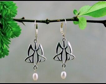 Art nouveau earring, silver art nouveau earring, celtic earring, celtic jewelry, symbolic jewelry, handmade jewelry, medieval jewelry