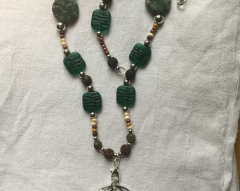 Lothlorien Leaf beaded necklace 2