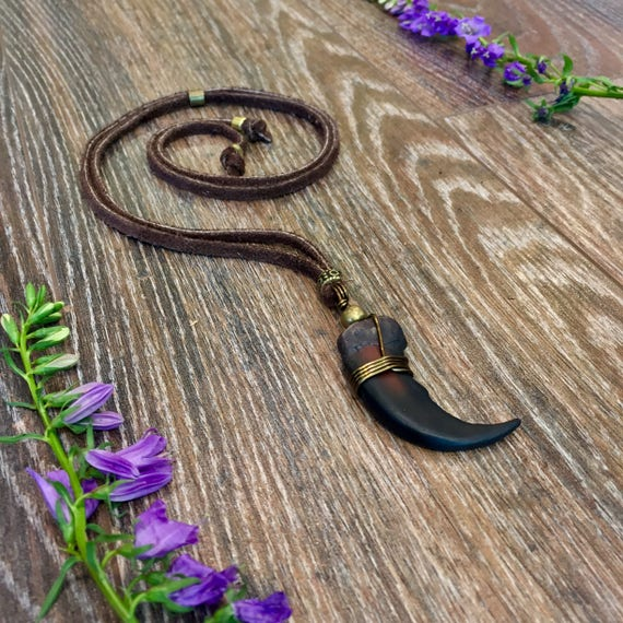 Grizzly bear claw necklace leather gipsy native american grizzly bear claw necklace leather gipsy native american necklace bear claw jewelry bearclaw pendant leather necklace mozeypictures Image collections
