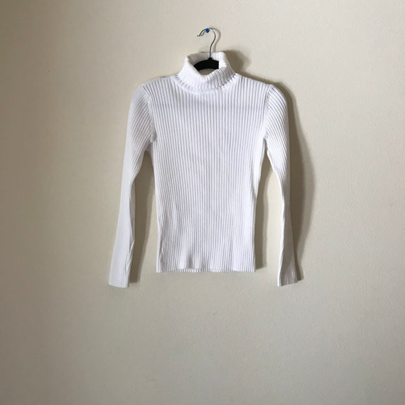 White Ribbed Turtle Neck | 90s vintage small vertical ribbed mock neck long sleeve sweater small S stretch