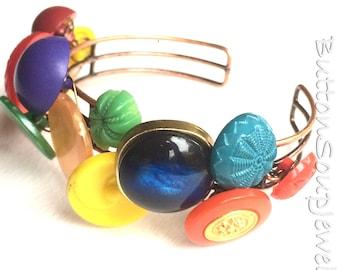 Multicolor Vintage Button Bracelet