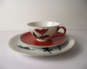 Teacup Saucer Dessert Plate trio Mid Century Modern Seyei Fine China Orange Red and Black Graphic Floral