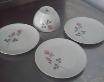 3 Royal Doulton Pillar Rose Tea Side Plates and Sugar Bowl