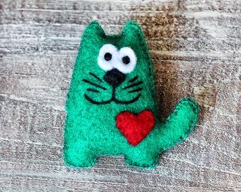 Funny Cat Brooch, Cute animal brooch, felt cat pin, Kitten Brooch, Kitty Pin, Gift for Her, handmade brooch, cat lover gift, pets jewelry
