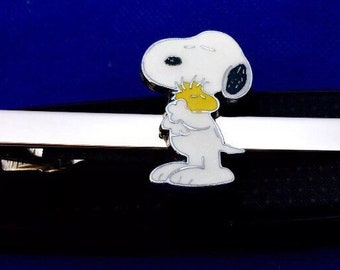 Snoopy & Woodstock tie bar Snoopy gift idea Peanuts Snoopy hugging Woodstock clasp~Tie Clip~Handmade in the USA~FAST Shipping from the USA