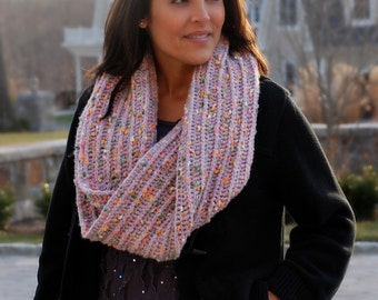 Instant Download PDF Crochet Pattern, Ladies Moebius Cowl Womens Mobius Infinity Scarf