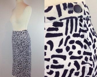 Vintage 80s Skirt, Graphic Print Skirt, Black White Skirt, Pencil Skirt, Retro Pattern, Hipster Skirt, 1980s Skirt, Size 10 12