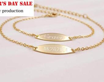 oval Gold pendant bracelet, Personalized name bracelet, Handmade Personalized name bracelet, friendship bracelet, celebrate a special day