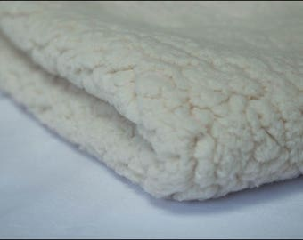 "Fabric lining ""Off-white Sherpa"" coupon sold from 10 cm"