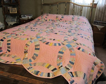 Hand Quilted Vintage Double Wedding Ring Quilt full size