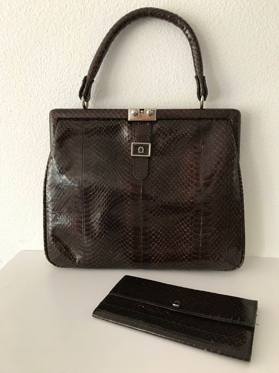Vintage darkbrown snakeskin leather handbag including matching wallet
