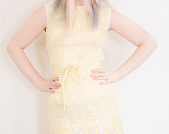 Vintage 1960s 1970s Mod Yellow Embroidered Linen Dress, 60s embroided dress, vintage shift dress, vintage wiggle dress, 60s yellow dress