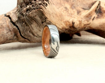 Damascus Twisted Steel and Wood Ring - Bourbon Barrel White Oak Stave Wood Ring Damascus Twisted Steel Ring