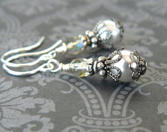 Small Grey Pearl Earrings, Tiny Silver Grey Glass Pearl Dangles, Vintage Style Jewelry, Delicate Earrings, Romantic Gift for Her