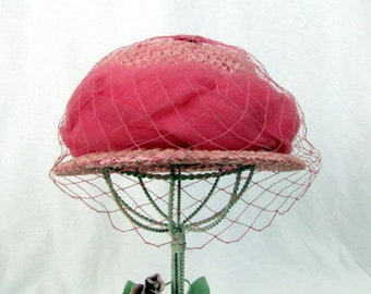 Vintage 50s Pink Straw Hat / Straw Hat with Netting /  Pink Tulle Braided Ribbon Hatband /  Union Label / Spring Hat