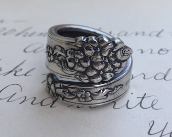 Jewelry, Ring, ~MOSS ROSE~  1949                   Spoon Ring