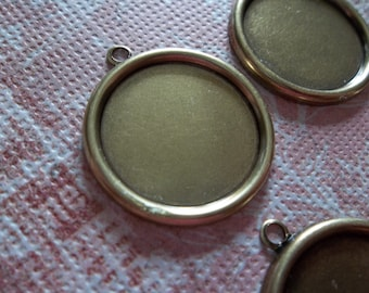 Vintage Inspired Antiqued Brass Simple Round Settings with 1 Loop for 18mm Cabochons - Qty 5