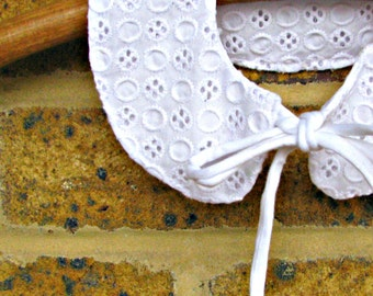 SALE! Detachable,  white madeira, broderie anglaise Peter Pan collar