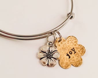 Joy adjustable bangle bracelet