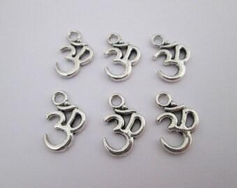 6 breloque aum symbole bouddhiste 16 x 11 mm en métal argenté