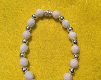 White and silver beaded bracelet