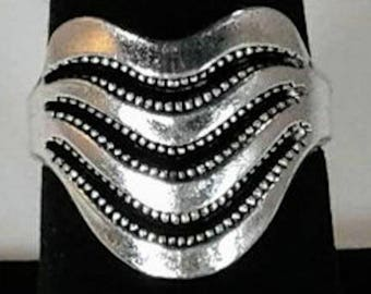 Tibet vintage silver plated swirly various sizes lines R0003