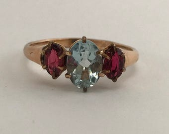 Vintage 18k gold aquamarine and glass ring. Sz 6
