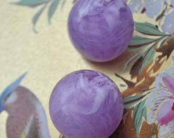 Vintage 40s Lilac Swirl Lucite Dome Clip On Earrings
