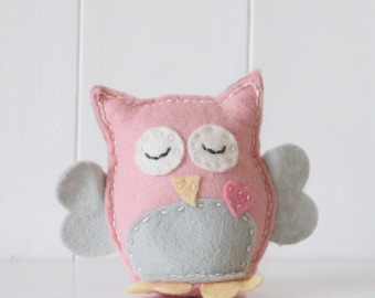 Mrs Owl Felt Sewing Kit, Make Your Own Owl, Sew Your Own Owl, Felt Owl Kit, Pink and Grey Owl, Mothers' Day Gift