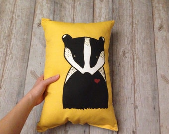 Yellow Skunk pillow, monochrome skunk cushion, grey skunk throw pillow, black and white room decor, monochrome pillows, living room decor