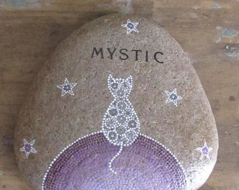The cat who dreamt among the stars - Cat memorial stone