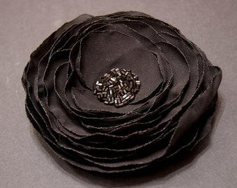 Artificial Chiffon Silk Flower Black Beaded Brooch Fake Faux Rose Textile Flower Pin Wedding Prom Evening Accessory Fabric Flower Clasp Pin