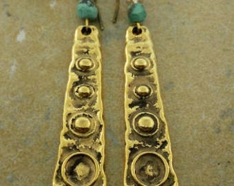 Golden earrings with turquoise and crystal