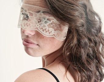Masquerade Mask Ivory Lace Strapless Mask