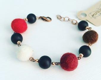 Newport Felt Bracelet in Winter Red