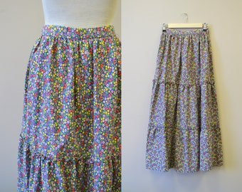 1970s Denise Are Here! Calico Floral Tiered Skirt