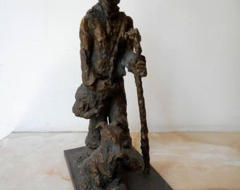 Home sculpture, Realistic sculpture, Bronze sculpture, Bronze statue of Wanderer with dog