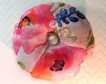 "Pincushion Kathy Davis ""Scatter Joy"" Print, Quilted top and FreeMotion Stitching in Pink and Orange- Ready to Ship"