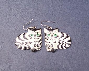 Adorable striped cat dangle earrings