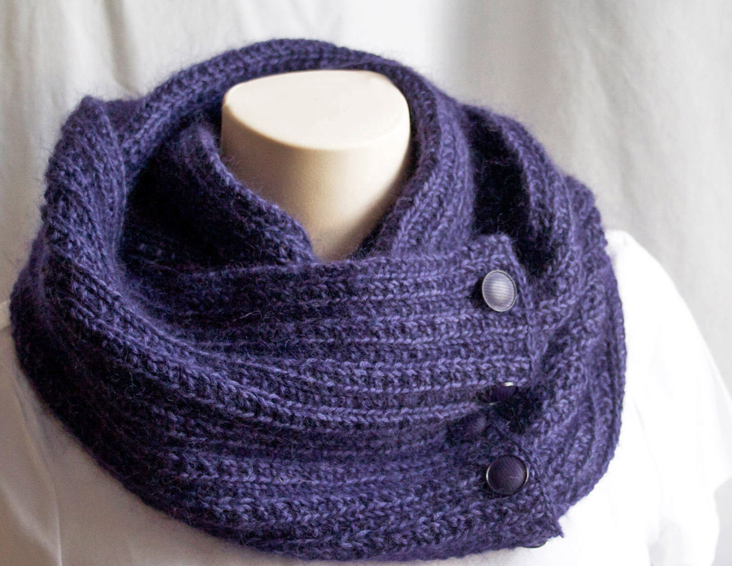 Knitting Scarf Patterns Infinity Scarf : Knitting pattern scarf. cowl. knit