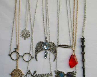 Assorted silver/gold fandom necklaces