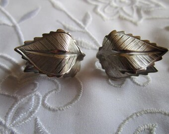 Vintage Silver Tone Double-Leaf Detailed Clip On Earrings