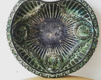 Large Italian Lily pad soap dish. Vintage business card Holder.  Vintage jewelry tray. Italian made tray.