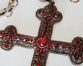 Vintage Extravagant Cross Necklace