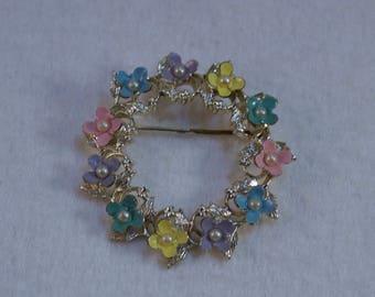 1940's Enameled Flowers Circle Brooch