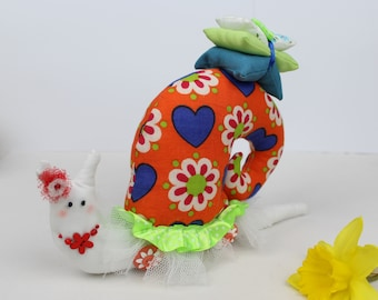 Pin Cushion / Happy gift / Gift to her / Green orange snail / handmade pincushion / gift for mom / fabric snail / textil home decor