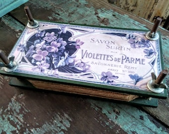 Vintage Flower Press, French Flowers, Shabby Flowers, Vintage Crafts, Dried Flowers, Vintage Garden, Vintage Cottage, Vintage Shabby