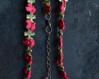 Rose Vine Ribbon Choker
