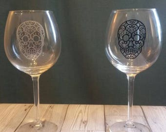 Day of the Dead wine glass - large wine glass - Dia de Los Muertos - skull glass - candy skull - skull - glass - Mexico  - goth - mexican
